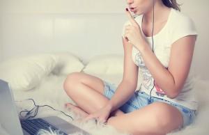 girl-secretly-having-chat-on-her-laptop